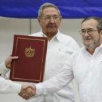 Gobierno y las FARC firman acuerdo por la paz en Colombia