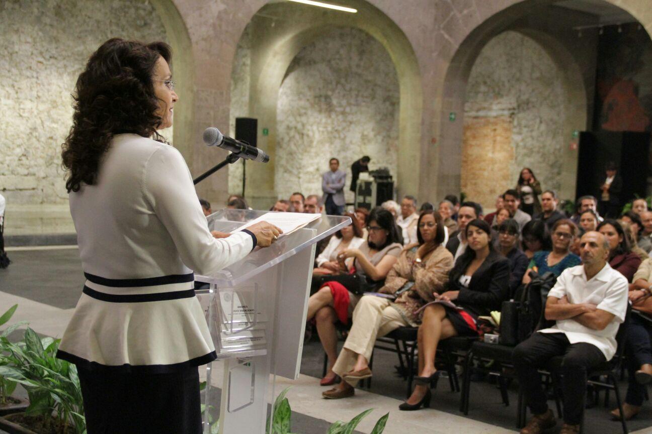 Dolores Padierna Luna en la Jornada en memoria de José Martí