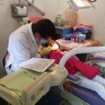 Su niño debe tener dientes y encías sanos para la buena salud general